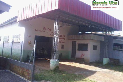 Pavilhão 100m² na Vila São José ,aceita carro e casa na negociação !