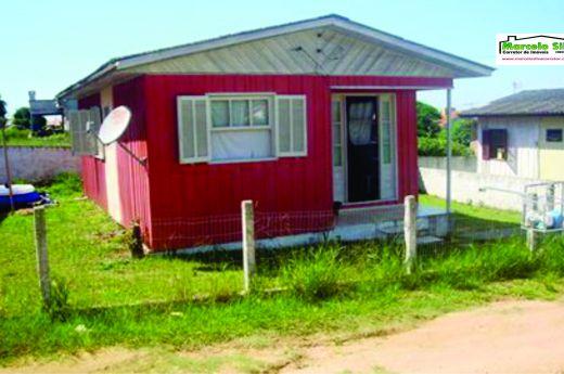 Casa de 03 quartos, já alugada, no bairro Urussanguinha !