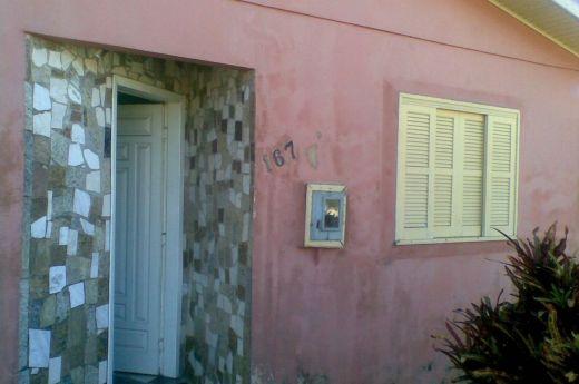 Casa de 03 quartos na Coloninha !!!!!