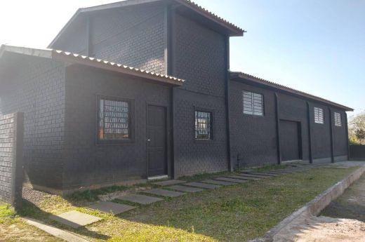 ALUGO PAVILHÃO COMERCIAL EM ALVENARIA 270 M²ARARANGUÁ